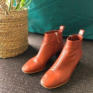 Everlane Day Boot (brick, size 7)